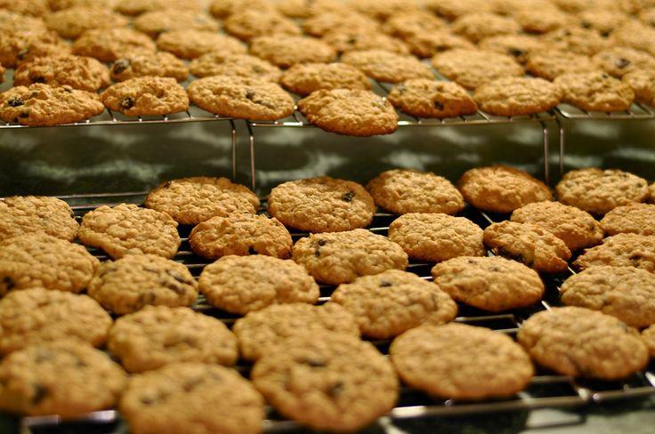Szereted a zabból készült kekszeket, sütiket? Ez egy alacsony kalóriatartalmú, de egyben eszméletlenül finom verzió, ami biztosan a család kedvence lesz!
