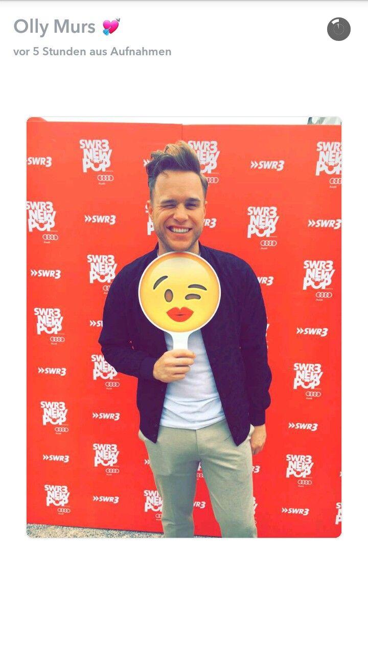 Olly murs black t shirt x factor - Olly Murs 24hrs Ydkl Kiss Emoji