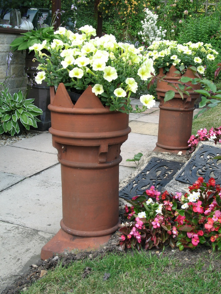 23 best images about chimney pot planting on pinterest for Garden designs with pots