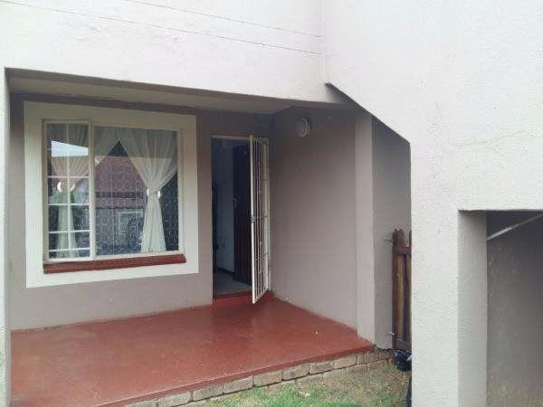2 Bedroom Townhouse in Glen Marais