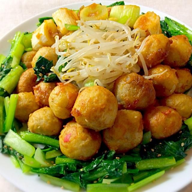 里芋ホクホク 下味がしっかり付いてとても美味しかったです❗️ のお供に最高でした ご馳走様でした - 172件のもぐもぐ - 里芋の中華風唐揚げ小松菜ともやしのナムルぞえ by reirei7