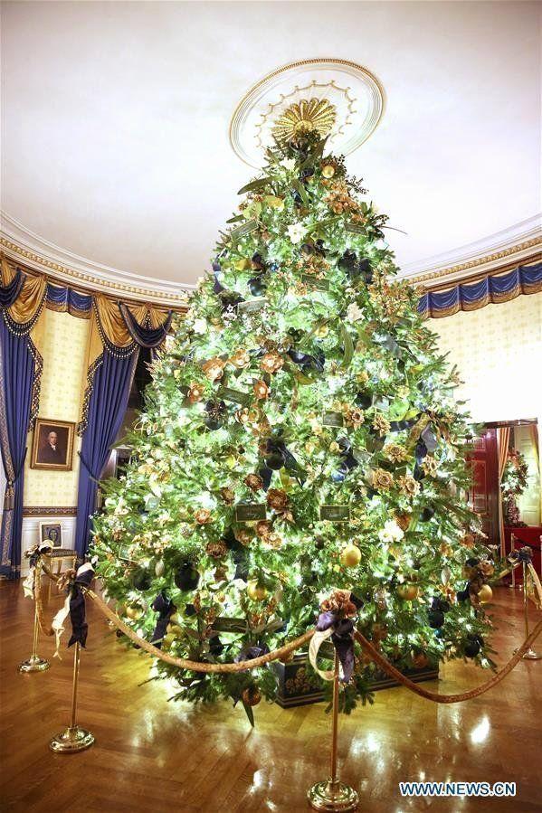 White House Christmas Decorations 2019 Fresh Christmas Decorations Seen At White In 2020 White House Christmas Decorations White House Christmas Christmas Decorations