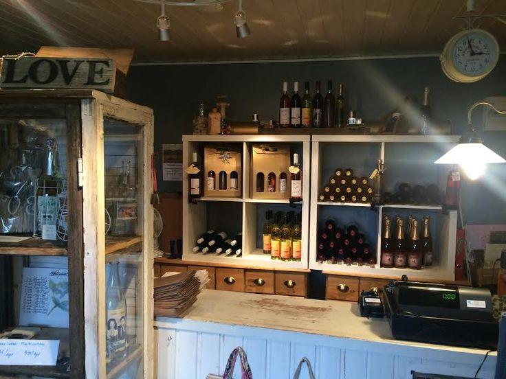 Teiskon viinikioski on tunnelmallinen paikka. Kannattaa käydä! #matrocks #matkailuonkivaa