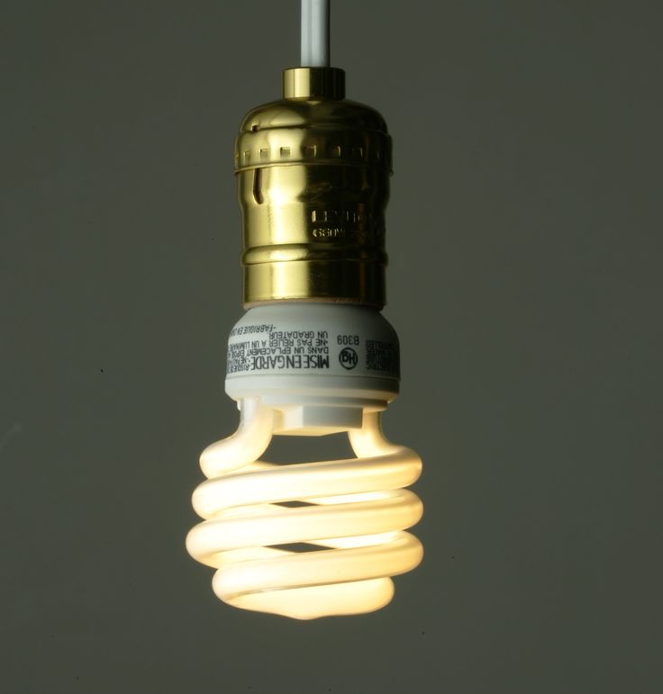 general electric incandescent light bulb Phase-out of incandescent light bulbs 60 w incandescent light bulb with energy efficiency class e the equivalent 42 w halogen incandescent light bulb with.
