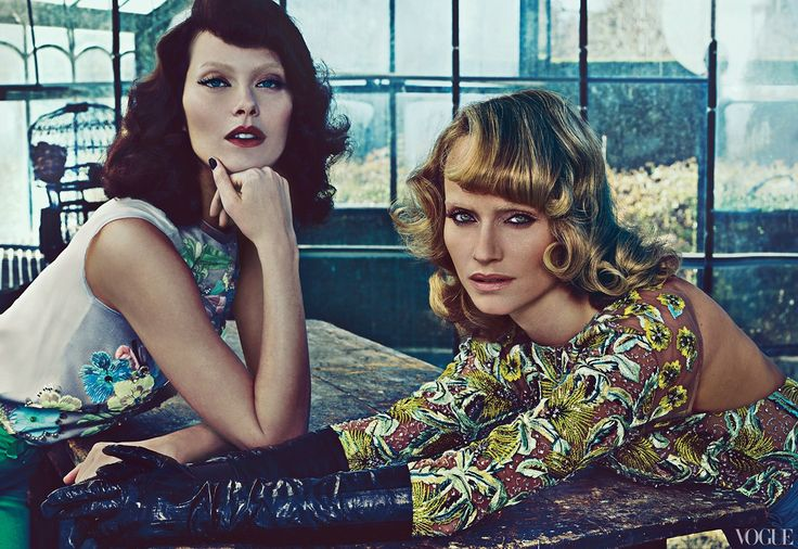 Vice Versa | Amber Valletta & Shalom Harlow by Steven Klein for Vogue US January 2012