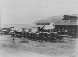 Horsedrawn cabs on Cairns wharf, ca. 1912