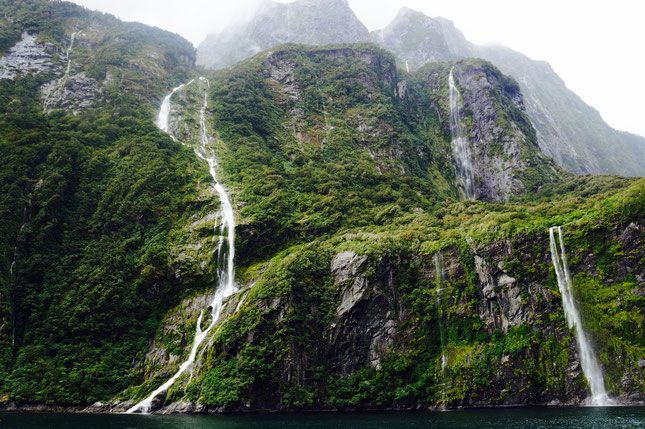 Milford Sound. Top 11 Must See Places in New Zealand!