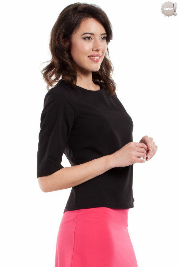 Gładka bluzka damska z krótkimi rękawami, zapinana z tyłu na kryty zamek błyskawiczny. #bluzka #damska #kobieta #moda #trendy #czerń