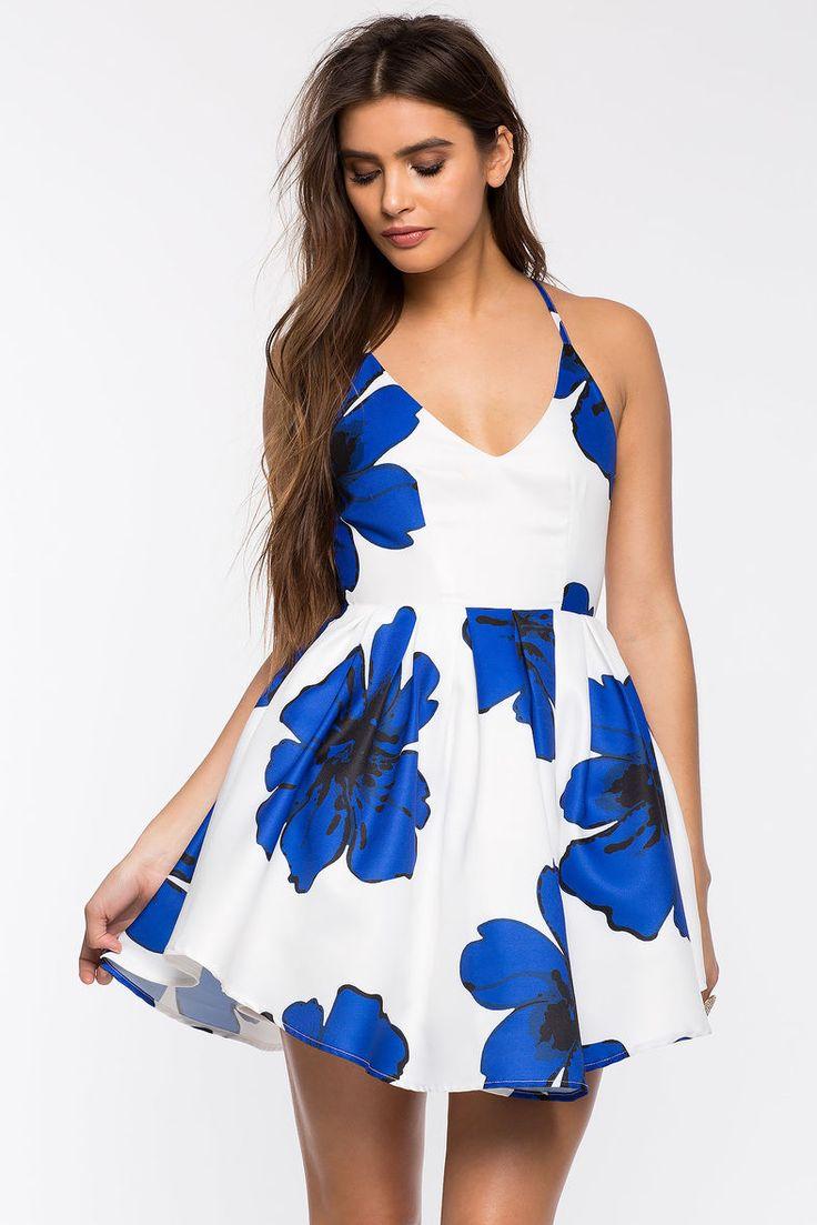 Цветочное платье Размеры: S, M, L Цвет: синий, красный  с принтом Цена: 2441 руб.     #одежда #женщинам #платья #коопт
