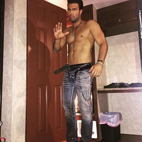Pin for Later: 21 Hot, Shirtless Stars You Need to Admire Right Now Jencarlos Canela