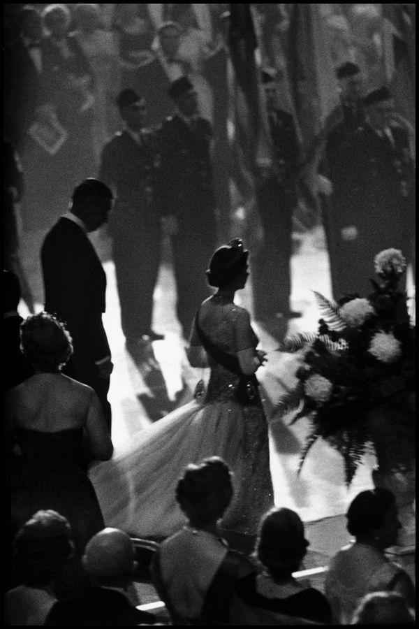 Queen Elizabeth in New York, October 1957. Photo: Burt Glinn.