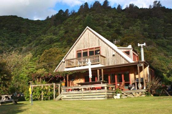 Family experience offering a various facilities in Te Mahia, Kenepuru Sound | Bookabach