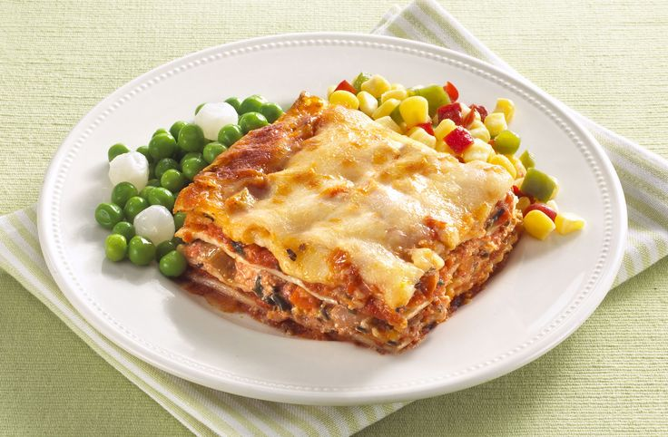 Vegetable Lasagne - Vegetable lay ered pasta sheets topped with cheese make you go wow!