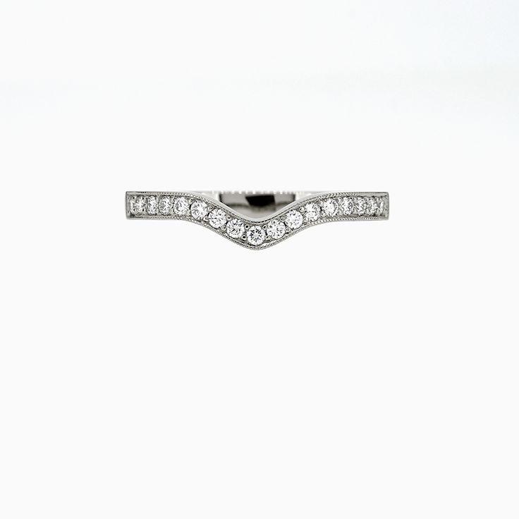 Amour Vintage Diamond Wedding band in 950 Platinum