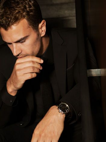 Theo James Tells Us What His New Fragrance Smells Like, and How You Can Seduce Him