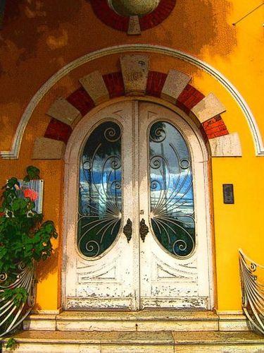 Lemondrop Doors, Alcântara, Lisbon, Portugal