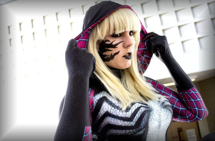Gwenom Cosplay http://geekxgirls.com/article.php?ID=7986