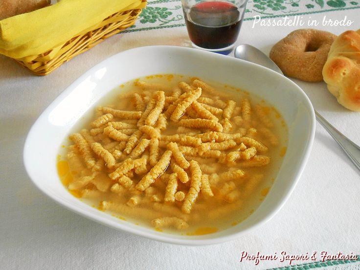 I passatelli romagnoli ricetta base sono molto facili da preparare. Pochi ma scelti ingredienti danno origine a questa gustosa minestra.