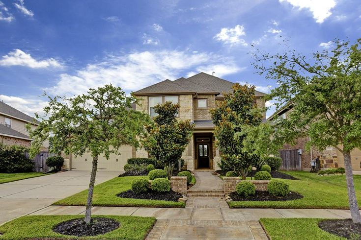 12015 Bayou Junction Rd. Welcome home to 10215 Bayou Junction in the highly acclaimed Bridgeland community. Bernstein Realty, Houston Real Estate.