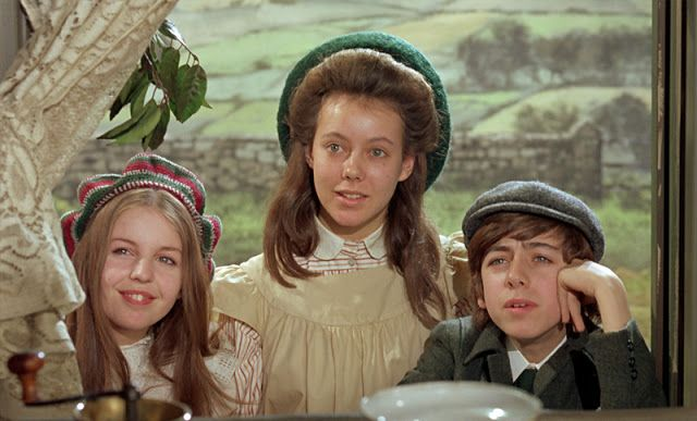 The Railway Children ***** (1970, Dinah Sheridan, Bernard Cribbins, William Mervyn, Jenny Agutter, Sally Thomsett, Gary Warren) - Classic Movie Review 417