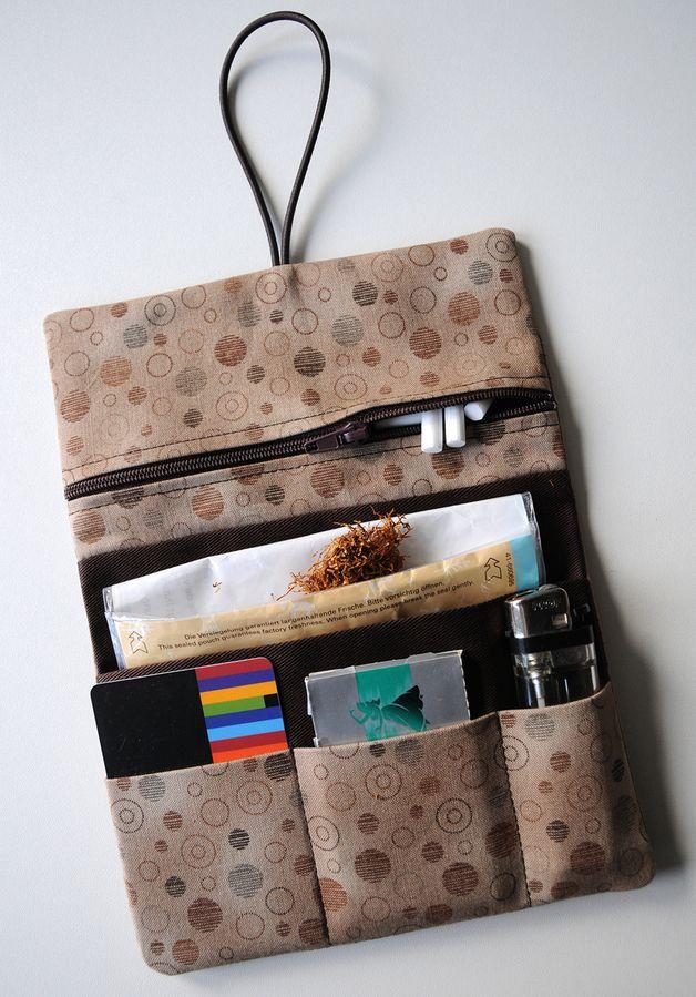 Unverzichtbare Accessoire: Hangenähte Tabaktasche als Geschenk / gift idea for him: tobacco case by Fadenart via DaWanda.com