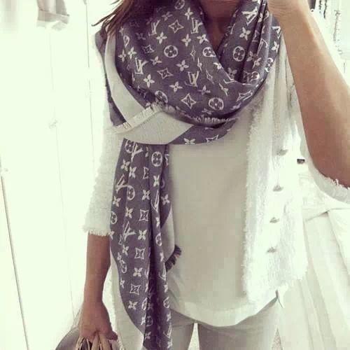 Louis vuitton chale monogram scarf roce pinterest louis vuitton louis  vuitton handbags a fashion jpg 500x500 50e8982139c