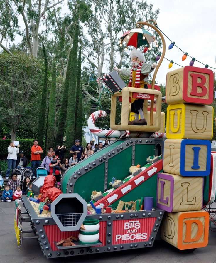 Disney Christmas Parade Floats A christmas fantasy parade,