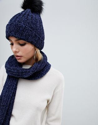 7ff0cd2d6f4 PrettyLittleThing chenille bobble hat in navy