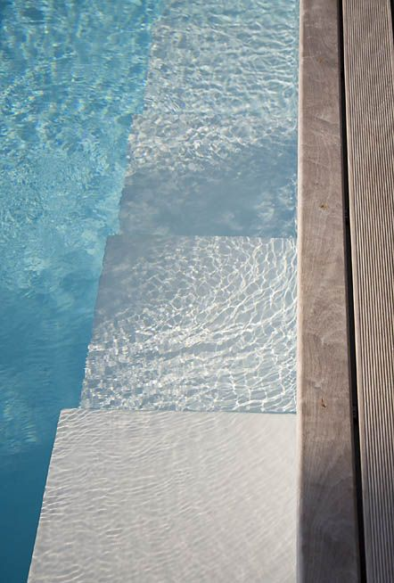Lap Pools, Decks Pools Ideas, Small Pools, Pools Step, Blue Grey Exterior, Small Swimming Pools Ideas, Swimming Pools Decks, Architecture, Koi Ponds Design