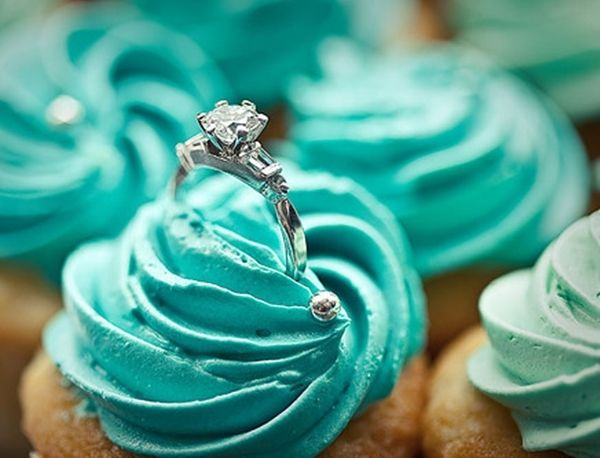 #Propose your babe in this cool way- just place the ring on a beautifully decorated #cupcake and watch her scream in #delight! All the best, Men! Place orders for customized cupcakes on Flowerz n Cakez