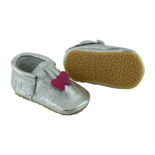 Kız bebekler için tabanlı makosen model ilkadım ayakkabısı.