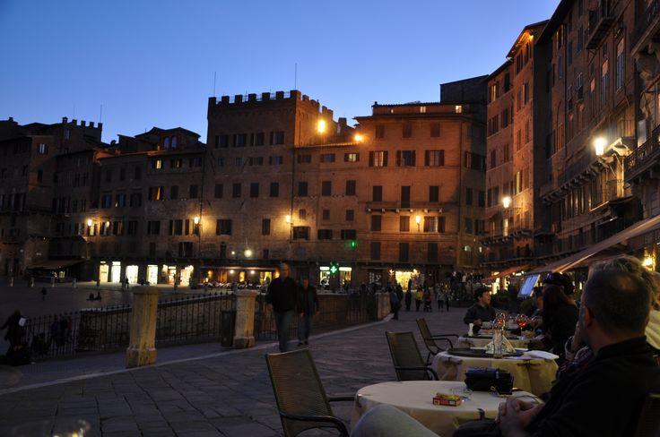 Siena'da akşam.