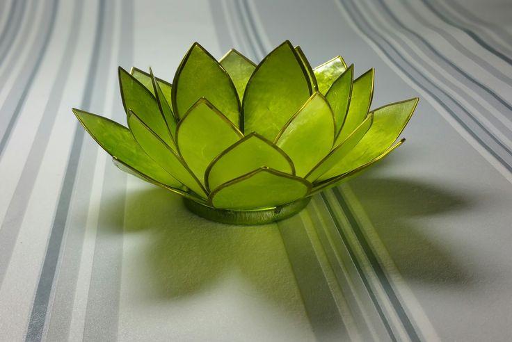 Glas prydnad grön.