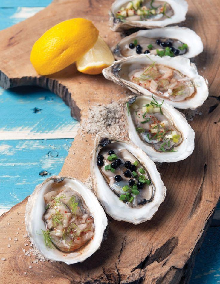 De nos jours, grâce à l'ostréiculture, nous pouvons savourer des huîtres à l'année. Mais saviez-vous que traditionnellement la récolte de ce savoureux mollusque débutait en septembre et se poursuivait pendant tout l'automne, à la grande joie des amateurs des délices de la mer? Pour cette recette, nous vous suggérons de demander à votre poissonnier préféré de vous recommander le type d'huîtres à privilégier, selon la saison: la Malpèque, la Beausoleil ou la Caraquet de la côte Est et de…