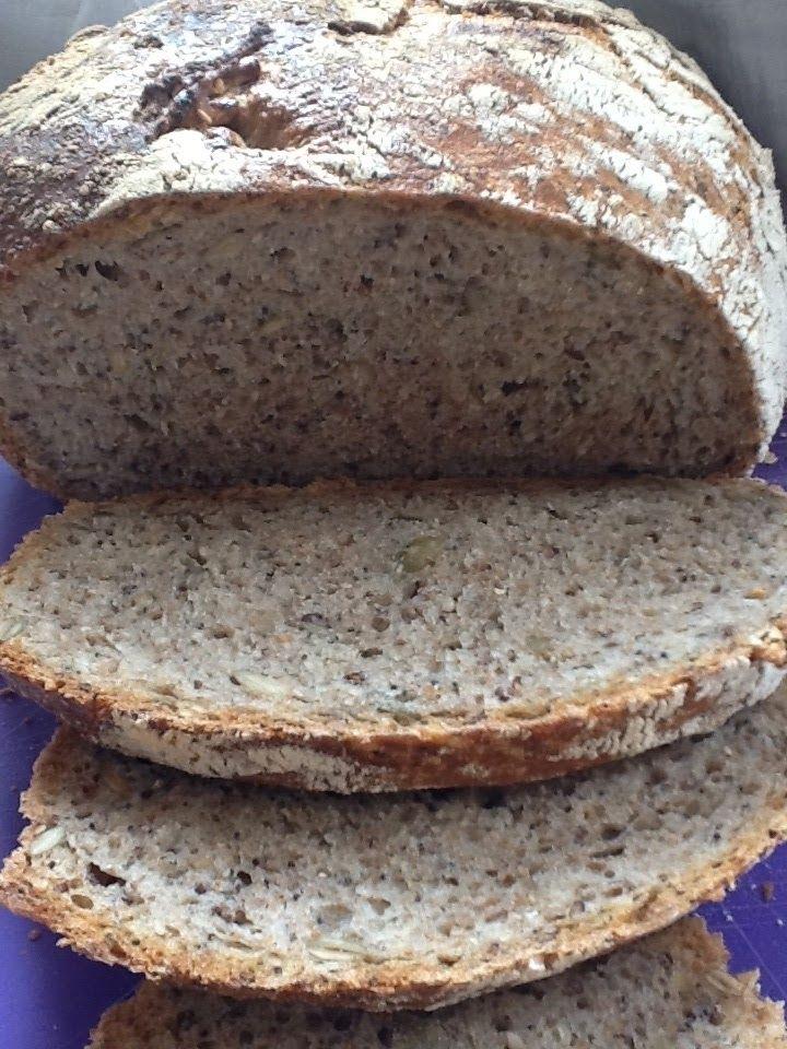 """Kijk wat een lekker recept ik heb gevonden op Goed boeren in de Stad! Volkoren brood """"no knead"""" met zaden en pitten"""