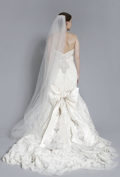 wedding dress. bow. now available on nearly newlywed!