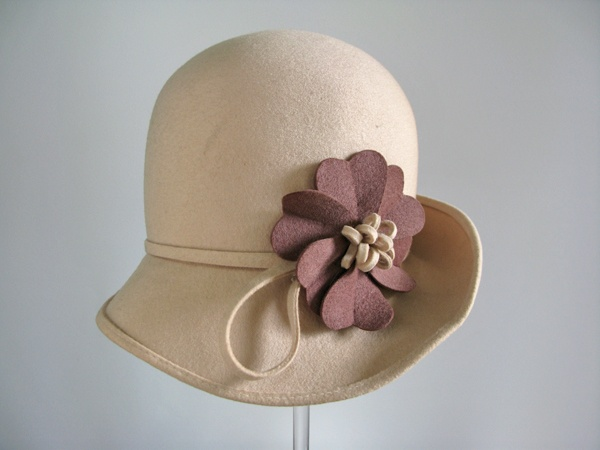 Cloche Hat - 1972 - Made in United Kingdom - Wool, Felt - © Manchester City Galleries - @Mlle