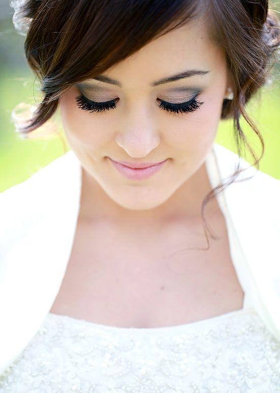 Bridal beauty make up inspiration - grey smoky eye with pale pink lip