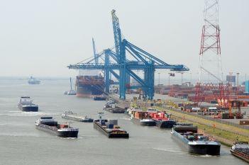 Antwerpener Hafengemeinschaft legt Aktionsplan zur effizienteren Abfertigung vor - https://www.logistik-express.com/antwerpener-hafengemeinschaft-legt-aktionsplan-zur-effizienteren-abfertigung-vor/