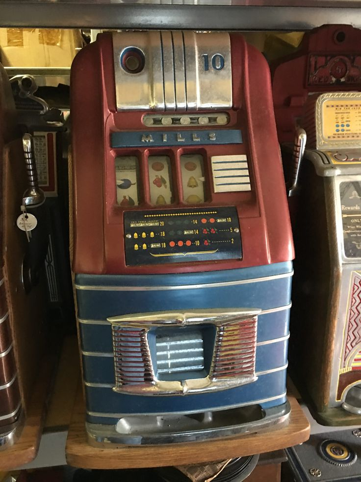 Mills Hightop 10c Slot Machine, 10 cent Mills High Top Bell slot machine. Circa 1939 Solid Oak Wood case, beautiful chromed castings, rear door, and cash box. Includes lock & key. Co..., https://www.gameroomshow.com/product/antique-slot-machines/mills-hightop-10c-slot-machine/, 1995.00, IMG_4242