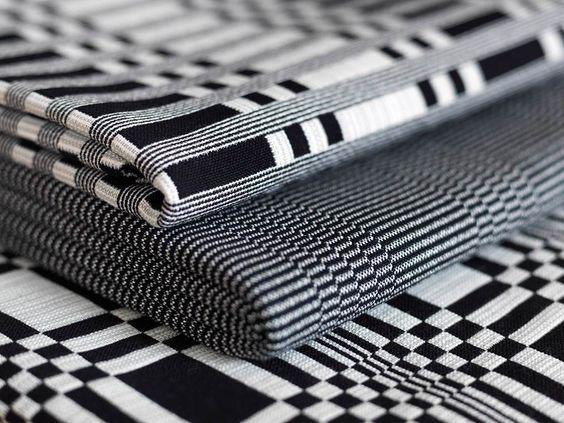 Stoffe in klaren Muster und Strukturen in schwarz-weiß / Fabrics in clear patterns and structures in black and white | Johanna Gullichsen | Heimtextil 2016 | TOP FAIR Blog