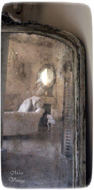 """Méas VintageAn """"antique mirror"""" Do-it-yourself. Wenn Ihr diesen da mögt - vielleicht wollt Ihr Euch auch so einen herstellen, er ist nämlich nicht wirklich alt ;) Hier der Link: http://measvintage.blogspot.de/2017/04/der-raum-der-traume-iii-herstellen.html"""
