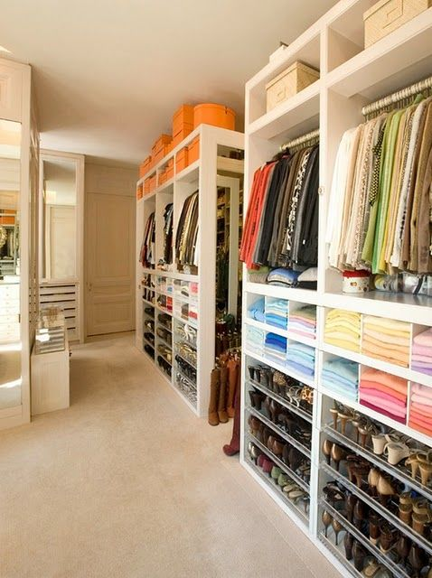 I would love to have a closet this large and organized.