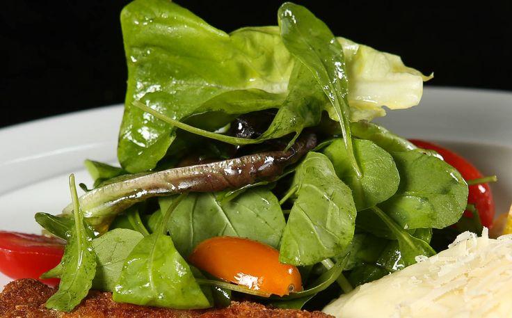 Carolina Ferraz dá receita rápida de salada com molho salada mostarda Dijon