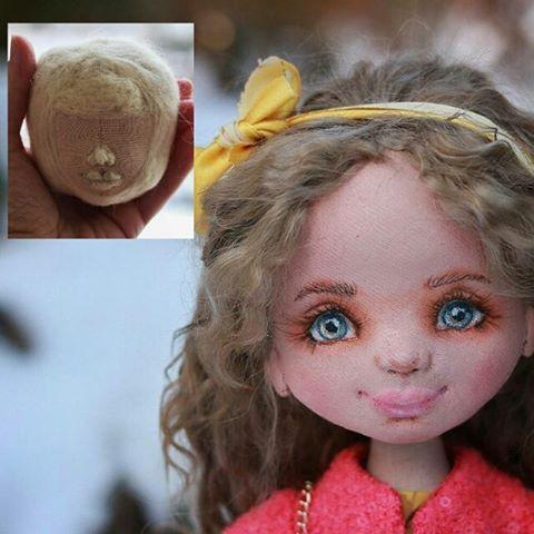 """Многие ведь не знают, какова она - изнанка текстильных кукол с объемным лицом 😉И сначала они вовсе не привлекательные. Эдакий раненый солдат🙈 Сначала нужно """"вылепить"""" форму из шерсти. Процесс долгий и кропотливый. Может делаю что то не так,но на одной кукле ломается 3-4 иглы. И.... продолжаю упорно учиться, набивать руку, познавать новое...ломать иглы 😏. Упрямый Козерог 😁  P.S.я очень рада, что эту красавицу хотят приобрести несколько человек. Мне безумно приятно Ваше внимание. Розыгрыш…"""
