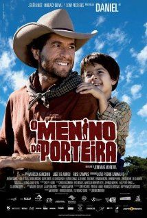 O Menino da Porteira (2009) At the village of Rio Bonito, cowboy Diogo leads a horde of oxen to the Ouro Fino Ranch. When passing by the Remanso Farm, he meets Rodrigo, a boy who dreams of becoming a cowboy. Soon they become friends and witnesses of the wrong doings that happen in the region due to Major Batista's greed. The major orders his thugs to blackmail the local residents.