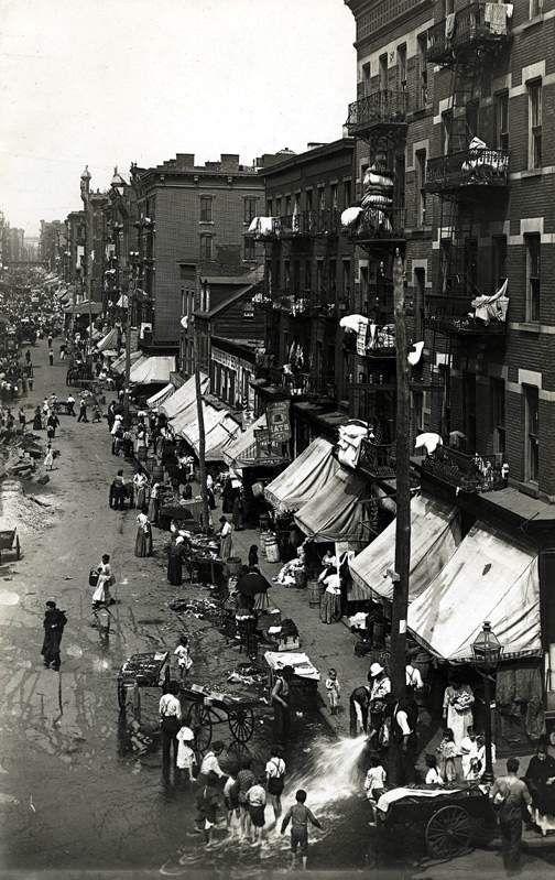 Hester Street, Lower East Side, New York City 1901.