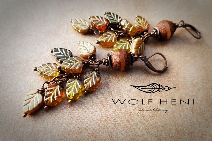 Handmade earring - Dzi agate stones with Czech leaves beads. Real autumn feeling and romantic forms in this earring by WOLF HENI jewellery