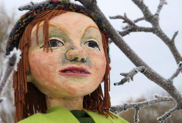 #Whitehorse: Runaway Moon's puppet production - 21 Ways to Make the World Last Longer - Nov. 15-17 @TheOldFirehall https://loom.ly/P_Emdlw