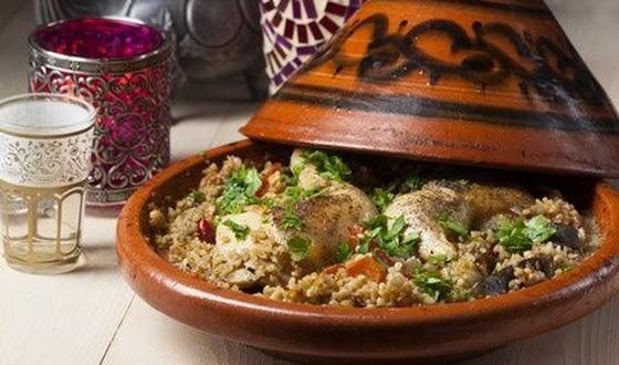Dit gerecht zit boordevol oosterse aroma's en smaken: ras-el-hanout, kaneel, komijn, koriander ...